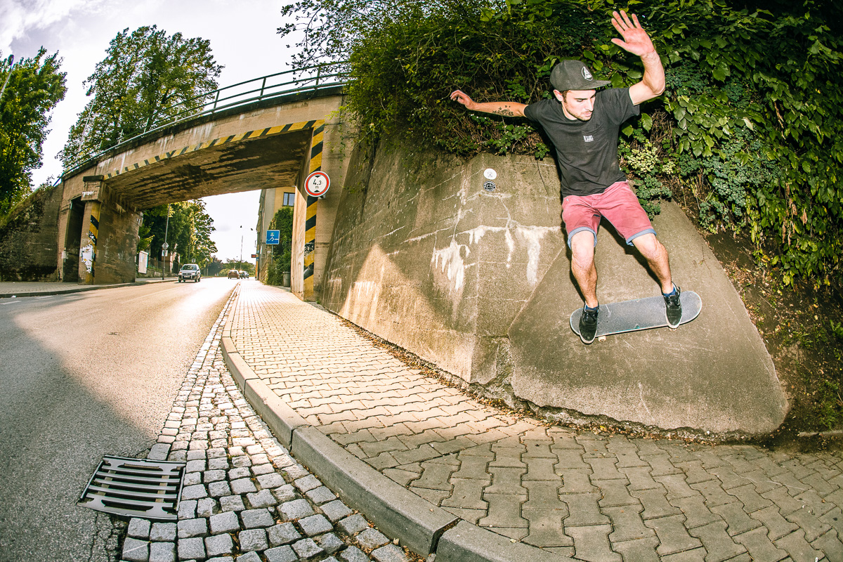 Adam Pelc - wallride